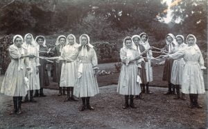 Girls who took part in the Abingdon Old English Revels in 1910 - photo courtesy of Duncan Broomhead