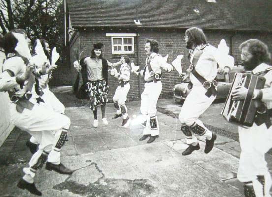Adderbury DOD 1975 rehearsal